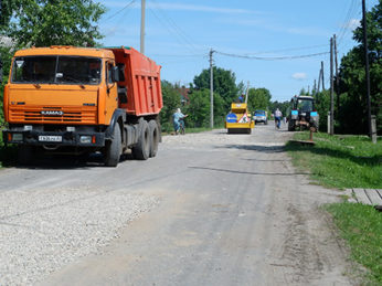 10 июля во время заседания правительства Ивановской области было озвучено, что на сегодняшний день из дорожного фонда районам уже распределены средства в размере 470 млн. рублей.