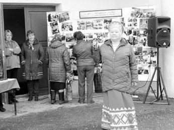 Каждый год накануне праздника День семьи, любви и верности работники культурно-досугового комплекса п. Лух проводят на открытой площадке концертную программу для гостей и жителей посёлка.