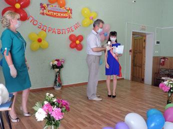 В торжественном событии – вручении аттестатов – приняли участие учащиеся выпускных классов школ Лухского района.