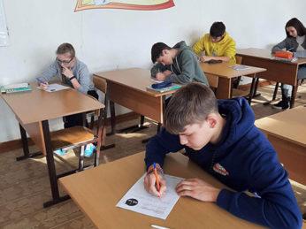 Учащиеся Лухской средней школы являются активными участниками интеллектуальных и творческих мероприятий.